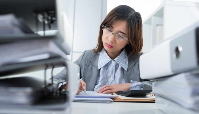 woman binders bookkeeping consultant in south windsor connecticut